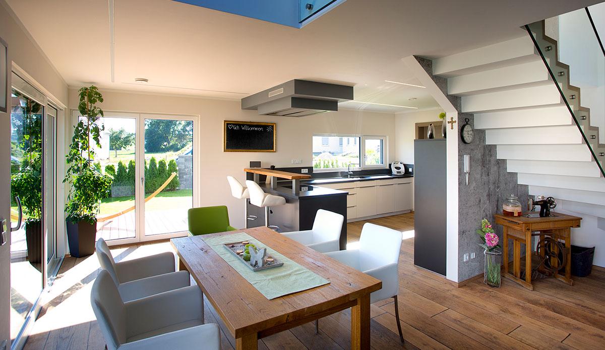 kunststoff fenster kneer s dfenster fenster und haust ren f r generationen. Black Bedroom Furniture Sets. Home Design Ideas